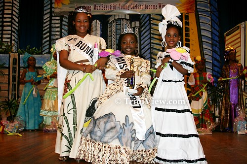 LEFT: First runner-up, winner and second runner-up in the Holiday Fun Pageant 2007