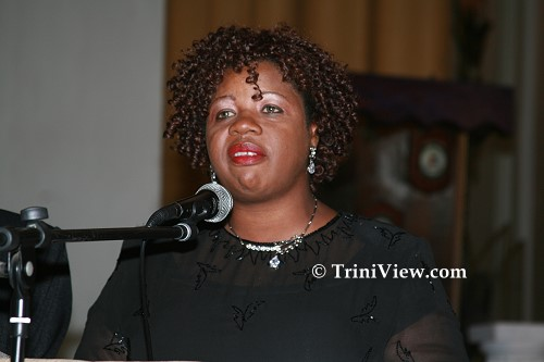 Gwendolyn Beckles-James delivers the eulogy