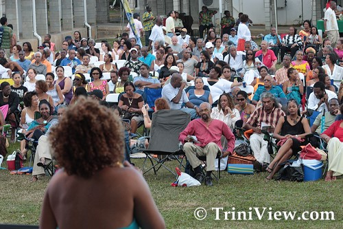 Patrons at Jazz Artists on the Greens Festival