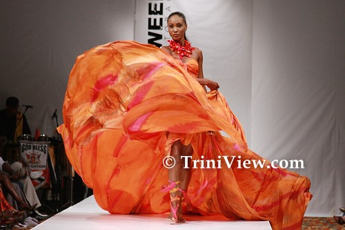Model displays a Peter Elias design from the theme 'Tree of Life'