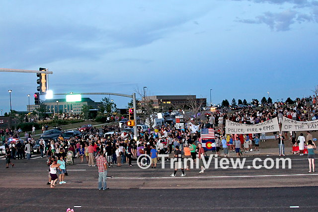 Crowd at Sable Boulevard - a site of a makeshift memorial