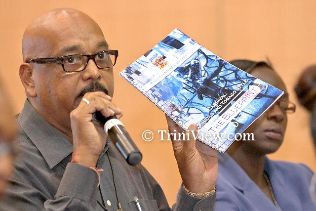 Attendee, Vijay Ramlal participates in the discussion segment