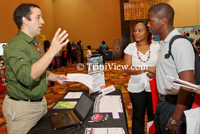 Kevin Newsome of SAIT Polytechnic assisting attendees