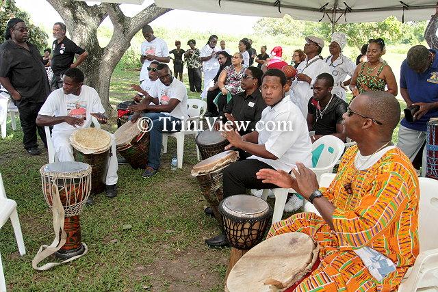 A drumology in tribute to Junior Noel