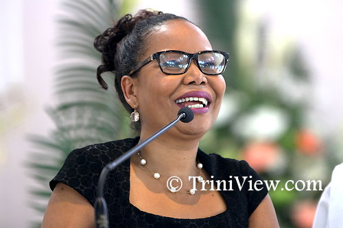 Nikki Crosby, niece of Earl Crosby, delivers her eulogy at his funeral service